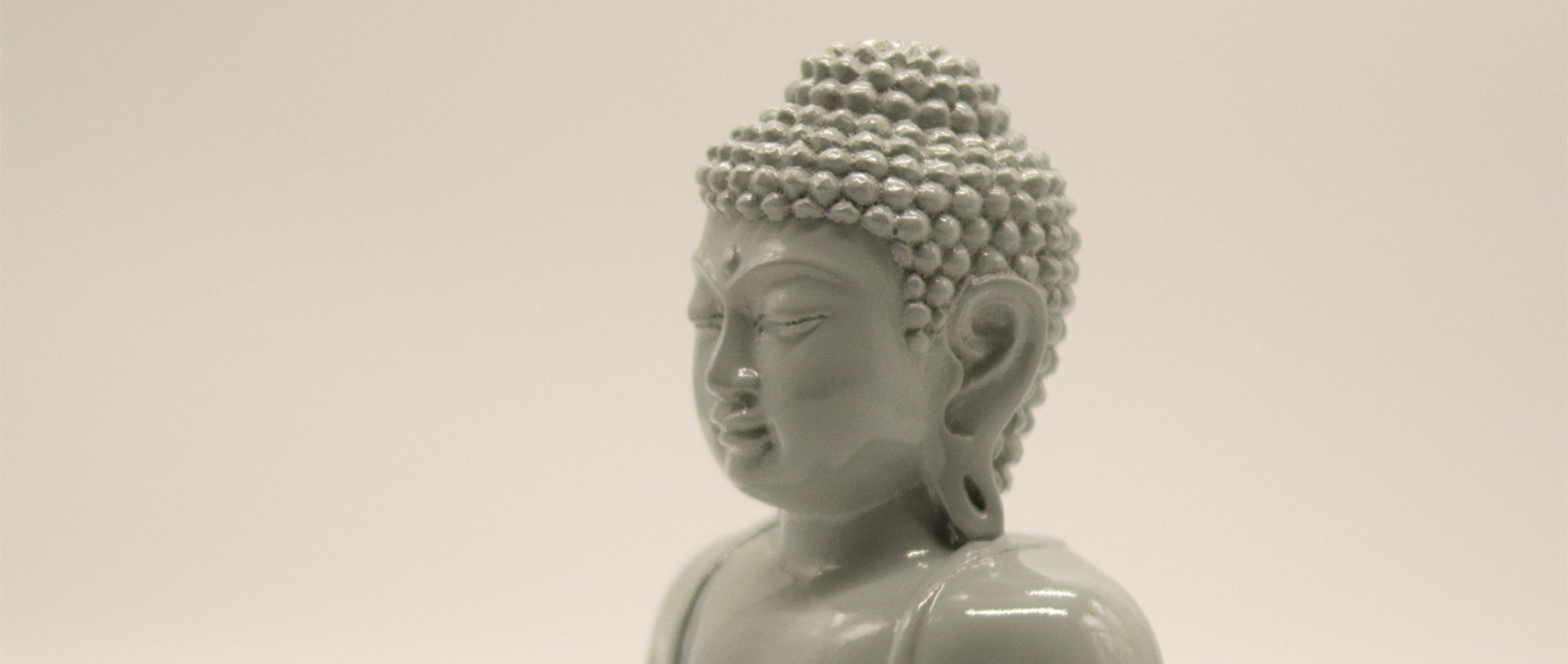 buddha-resin-sitting-gray-sideways-height-20cm