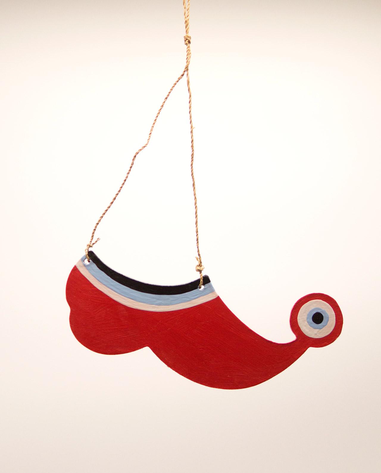 Τσαρούχι ματάκι ξύλινο χειροποίητο μήκος 20 cm κόκκινο