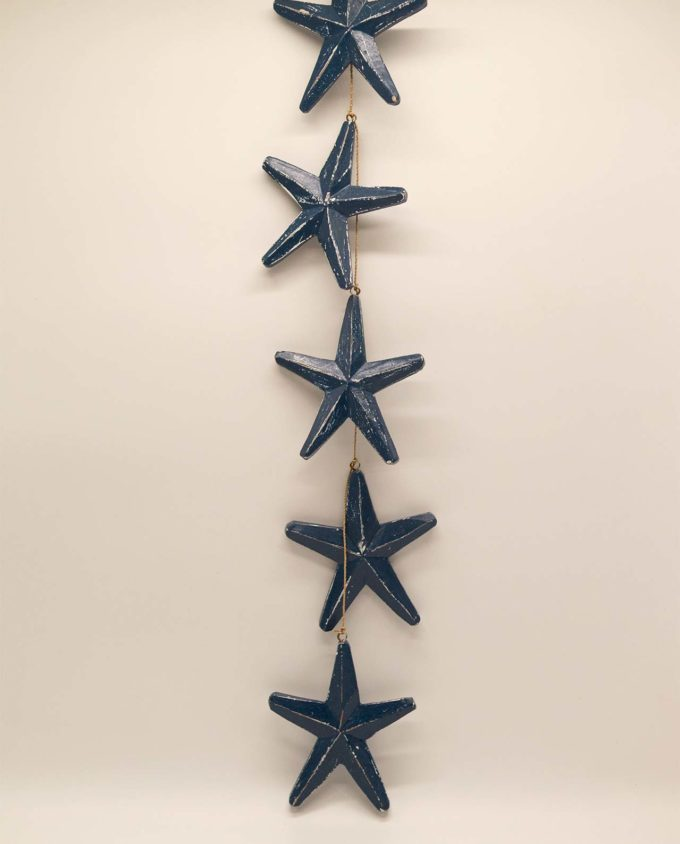 Garland of 5 wooden blue starfish