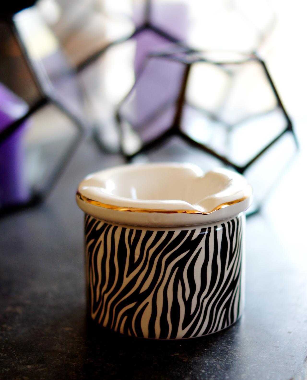 """Ashtray ceramic """"Zebra II"""" diameter 10 cm"""