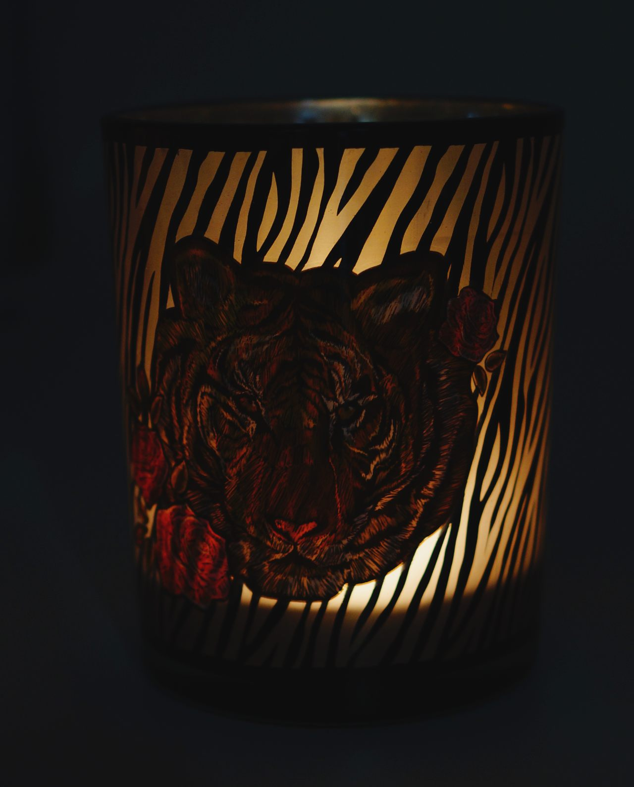Tealight Glass With Tiger Head lighted
