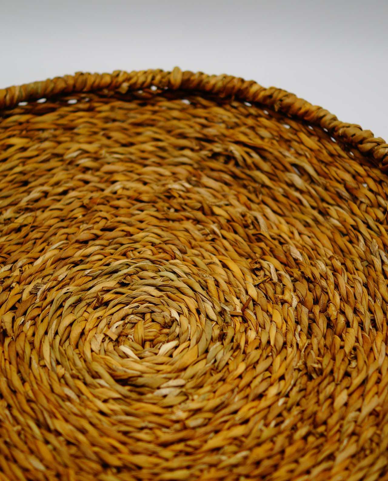 Platter made of raffia grass diameter 35 cm height 5 cm