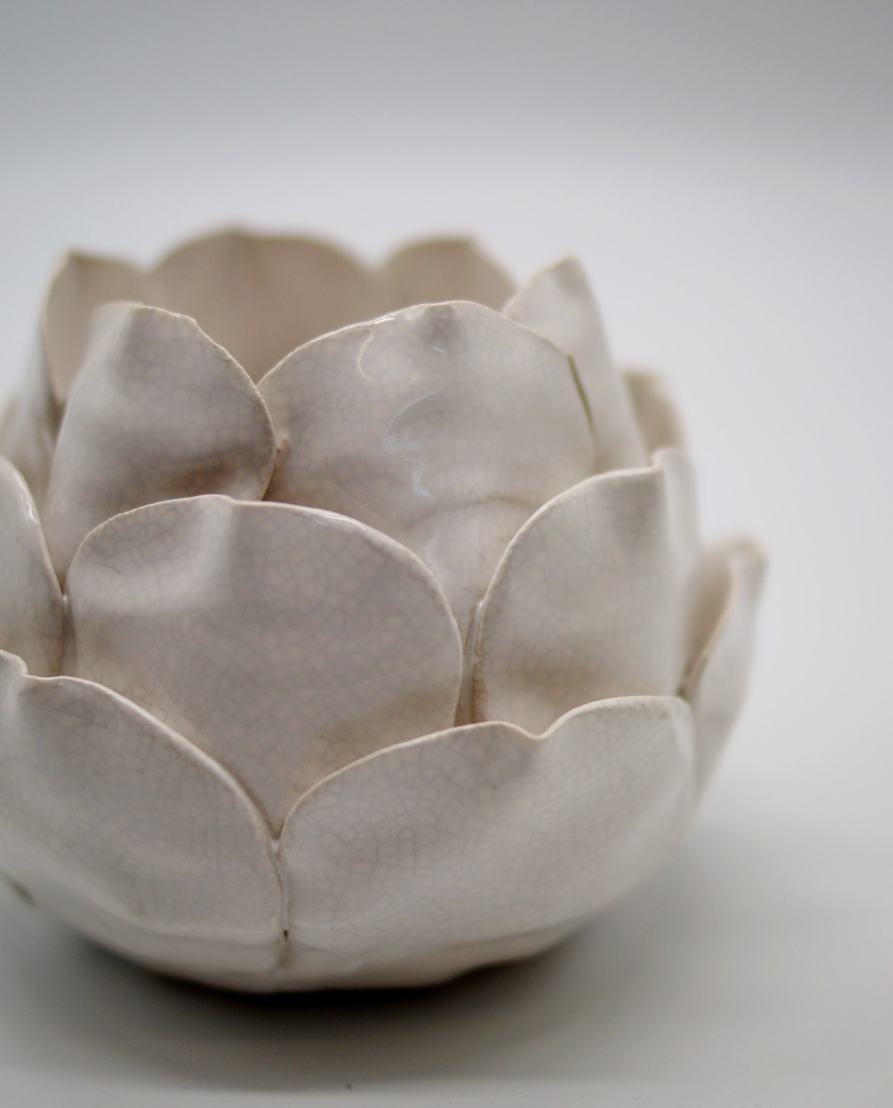"Tealight Ceramic Beige ""Flower"" Height 11 cm"
