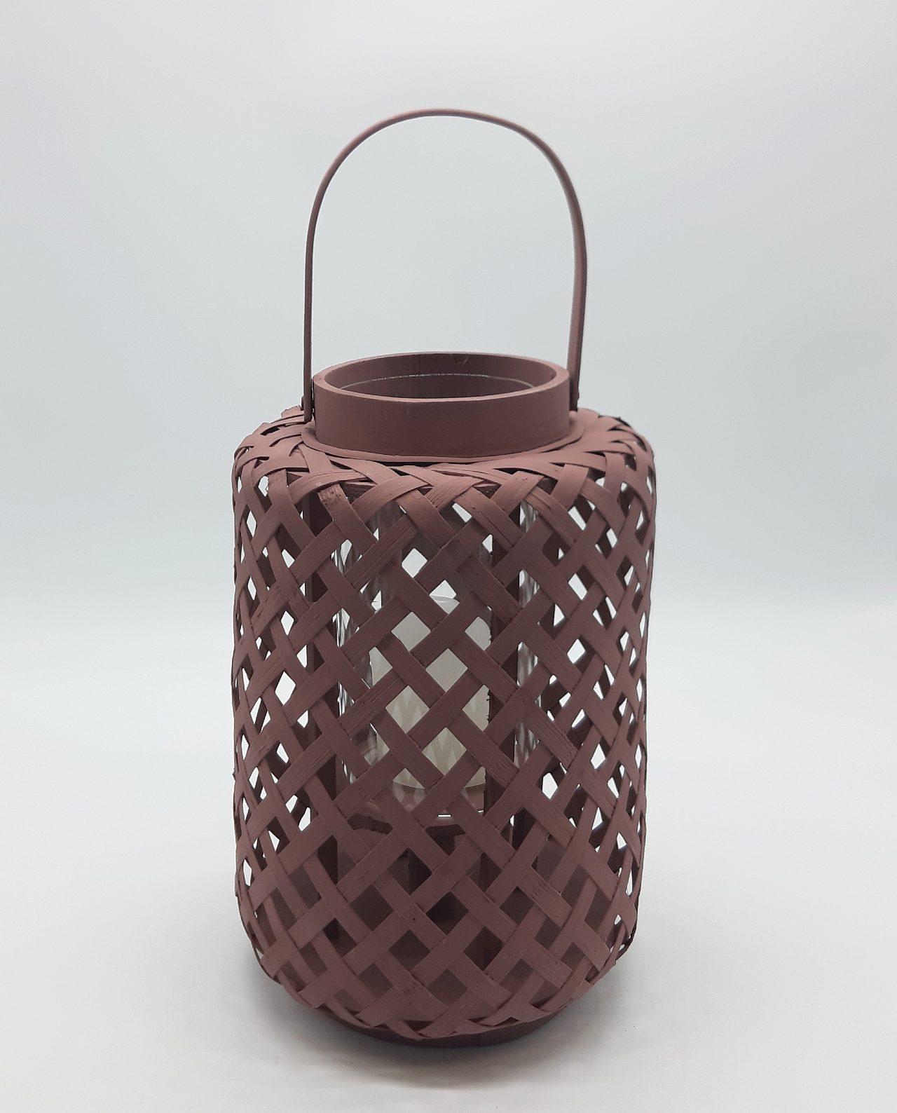 Φανάρι από μπαμπού με γυαλί, χρώμα παστελ σέπια. Διάσταση: ύψους 30 cm, διαμέτρου 21 cm